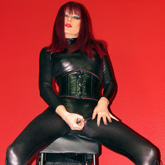Wetlook Catsuit & Lackstiefel! - Juicy-Julie