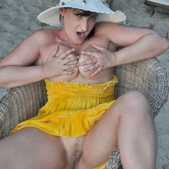 Public am Strand - -CrazyAngel-