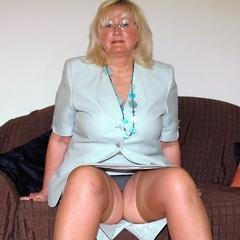 Unter dem Büro-Outfit - Andrea46