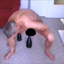 Monsterplugs im Gay Arsch ! - Spermahexe