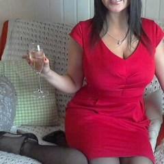 Im roten Kleid.... - annabella1985