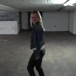 Dreister Sex Überfall in der Tiefgarage! - blondehexe