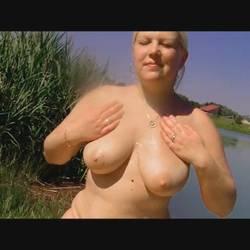 Geil mit Bodylotion am See - sexymaus5711