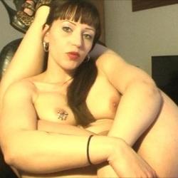 FlexiPee-mit dem Strohhalm aus der Pussy - Lauryna