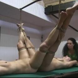 Doppelte Pussy Tortur 1 - FolterKeller