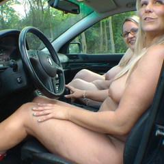 Nackt Auto fahren. - SweetSusiNRW