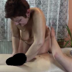 Nach der Massage geil angespritzt - mami62