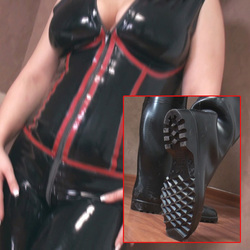 Gummi und Latex! - Lady-MoniQue