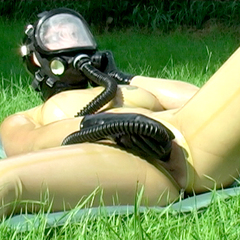 Gasmaske outdoor - Latexcult