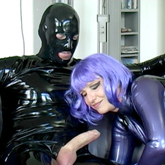 Lila Latex Lust - Latexcult